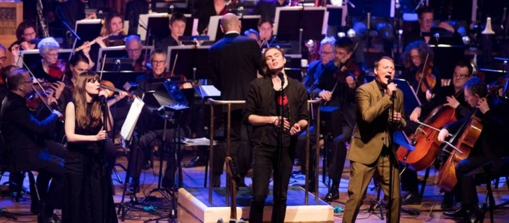 Two beautiful reviews of Hans Ek's Bowie